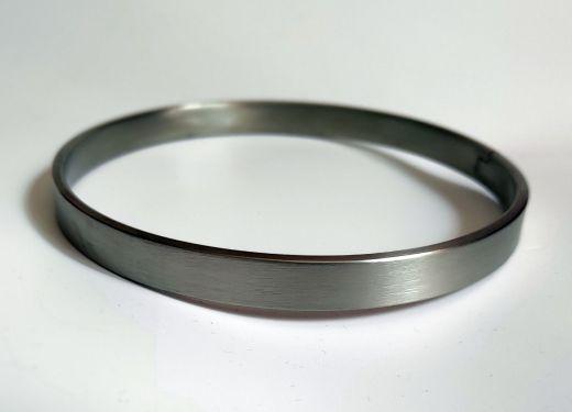 Hephaistos titanium neck collar
